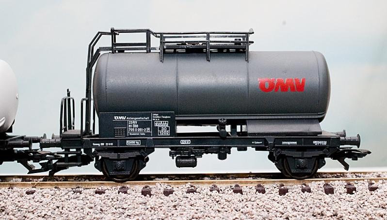 W14D00372